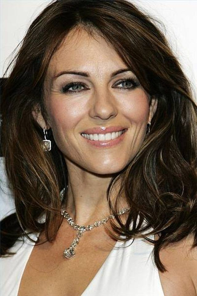 How to Do Elizabeth Hurley Makeup | LEAFtv