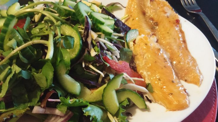 Slimming World Sweet Chilli Basa Fillet with salad