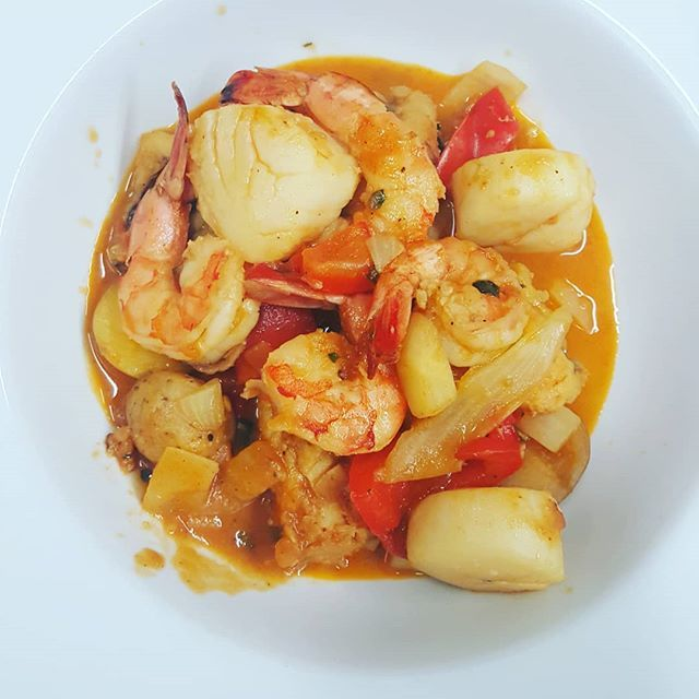 #wreats #cbridge #wrasome #europeanfood #seafood #fish #shrimp #scallops #freshfennel #saffron #restaurant #buillabaisse #bistro #frenchfood #cooking #cullinary #seafoodstew #elixirbistro