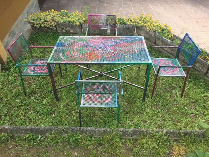 table hand-painted garden