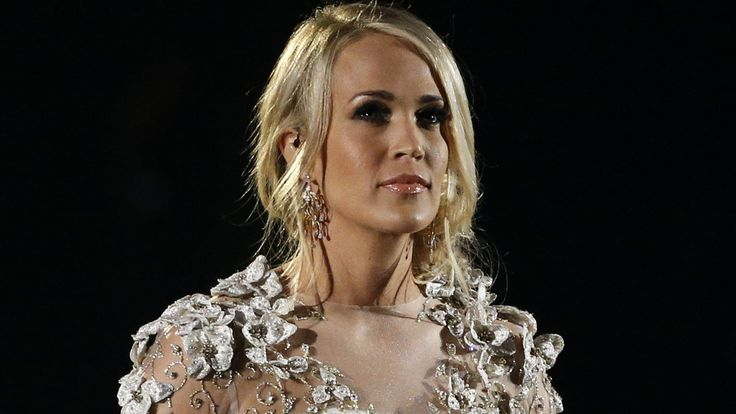 Carrie Underwood Offers $10,000 To A Police Officer With Broken Neck - This Comes After She Shut Down Divorce Rumors With New Pics #CarrieUnderwood celebrityinsider.org #Lifestyle #celebrityinsider #celebritynews #celebrities #celebrity #rumors #gossip