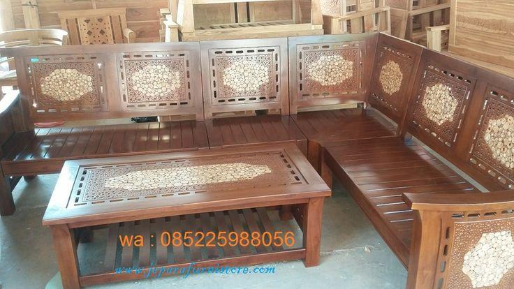 Kursi Tamu Minimalis Koin Model L merupakan kursi sudut untuk mengisi ruang tamu yang diproduksi menggunakan kayu jati yang berkualias.