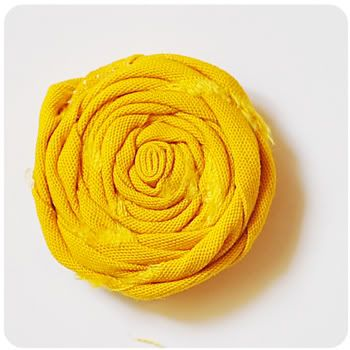 No-Sew Rolled Fabric Flower Baby Headband