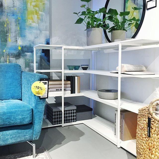 Widzieliście już nasze najnowsze konsole Bordeaux w trzech kształtach, dwóch wysokościach i w sześciu konfiguracjach kolorystycznych? ✨ więcej szczegółów na boconcept.pl #boconceptwarszawa #boconceptwarsaw #brandnew #console #furniture #bordeaux #homedecor #living #urban #boconcept #showroom