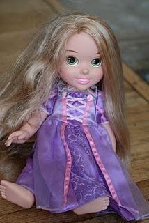 Detangler for dolls