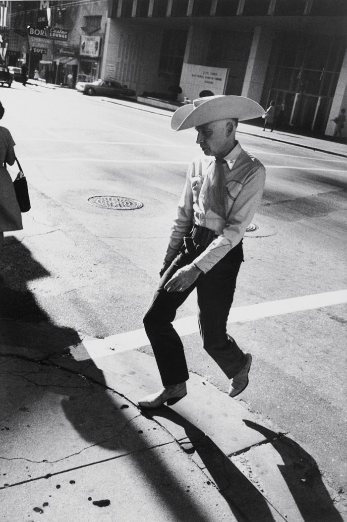 Garry Winogrand's Lonely America | The Gallery | The New York Review of Books