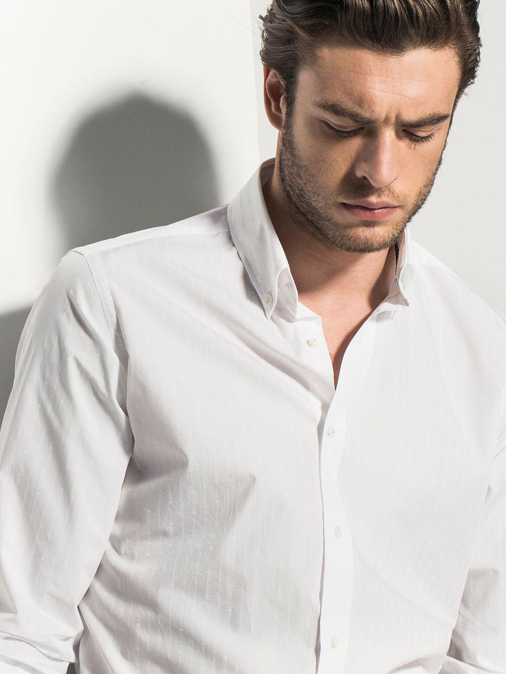 WHITE SHIRT WITH DESIGN