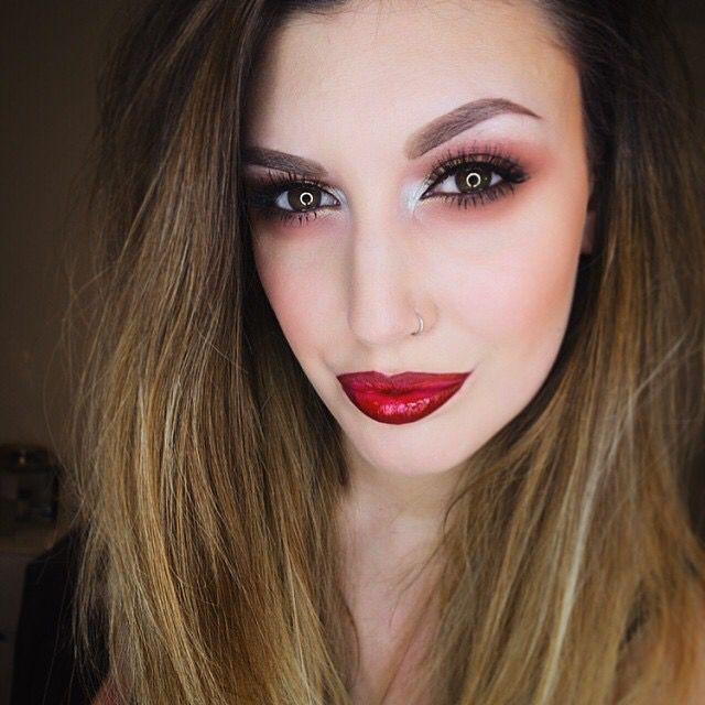 Red lipstick http://www.fabianacoppolamakeup.com/