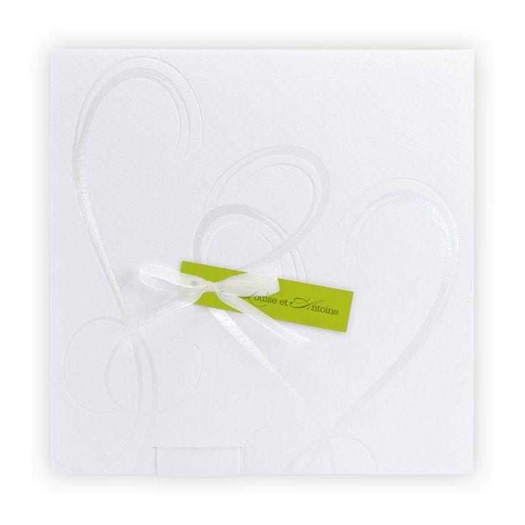 Faire part mariage créatif : Coeurs vernis & etiquette anis/pochette blanche
