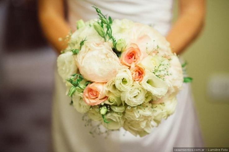 Ramos de novia románticos. Rosas, hortensias, peonias, flores silvestres...¡Porque los detalles marcan la diferencia!