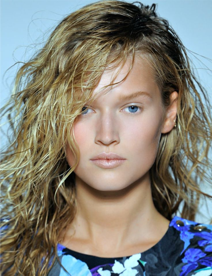 #wetlook #weintwinter #lorealpro #lorealprofessionnel #hairstyle #hair #beautytips #beautifulhair #haircare #hairdressers #salon #makeup #style #model #fashionblogger #haircut #musthave #hairfashion #hairtrend #happiness #fashion #haircolor #ProTip #haircolor #parrucchieri #acconciatura #coiffeur #castano #biondo