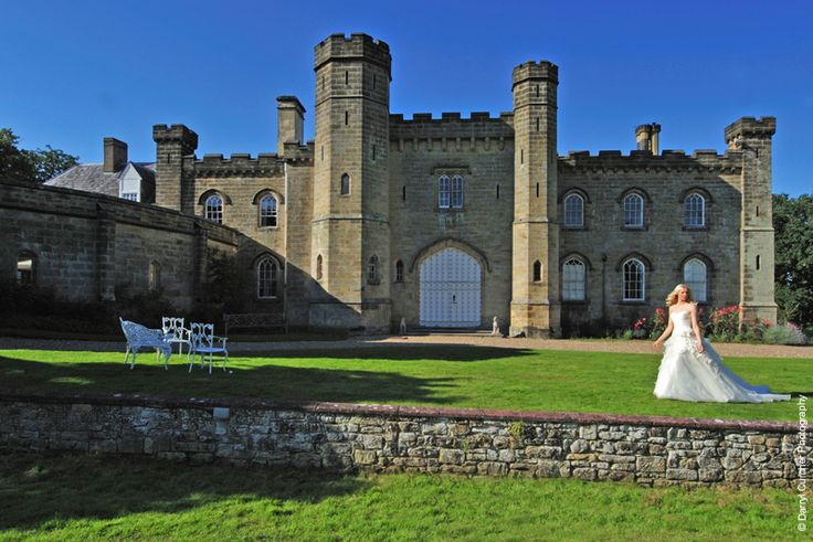 Chiddingstone Castle wedding venue in Kent #castleweddings