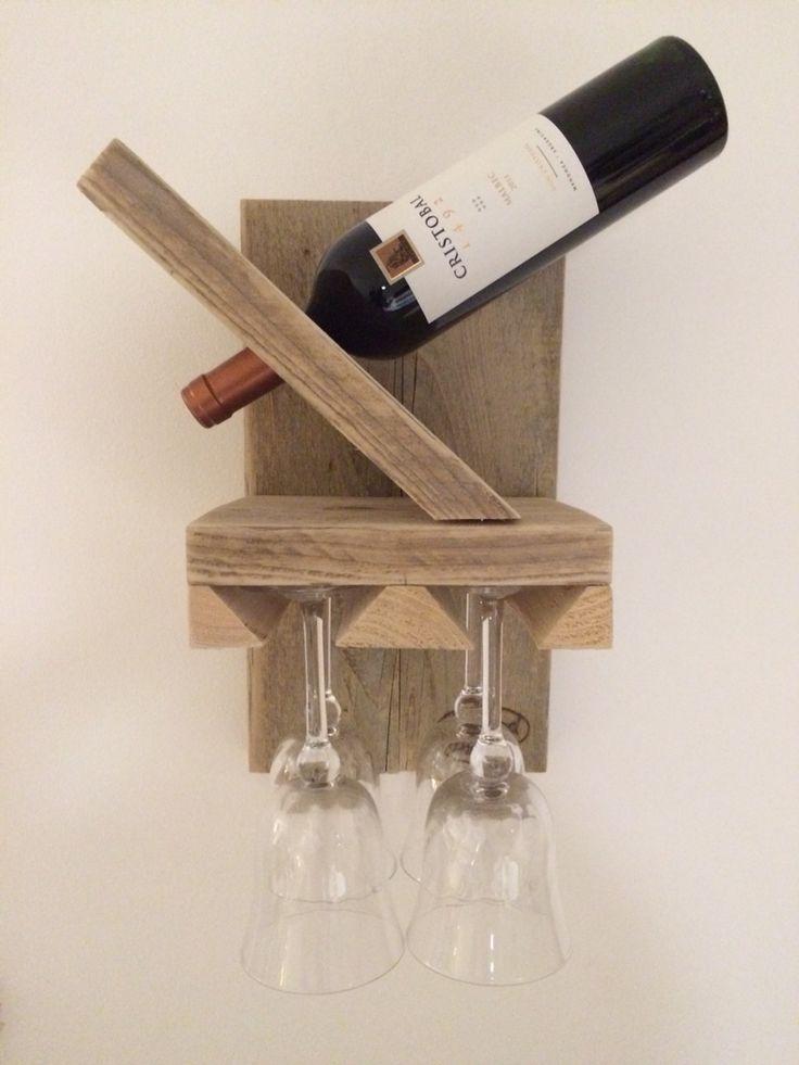 Wijnfles- en wijnglazen- houder in steigerhout.  $$$.  65 euro.