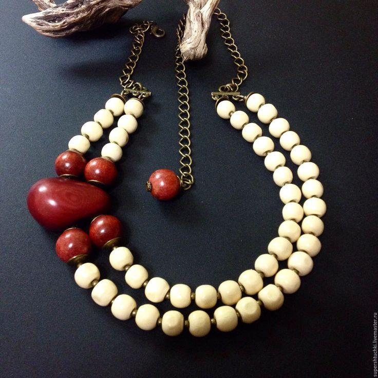"""Купить Колье """"Вишневый сорбет"""" из дерева и ореха - комбинированный, бежевый и вишневый, украшения ручной работы"""