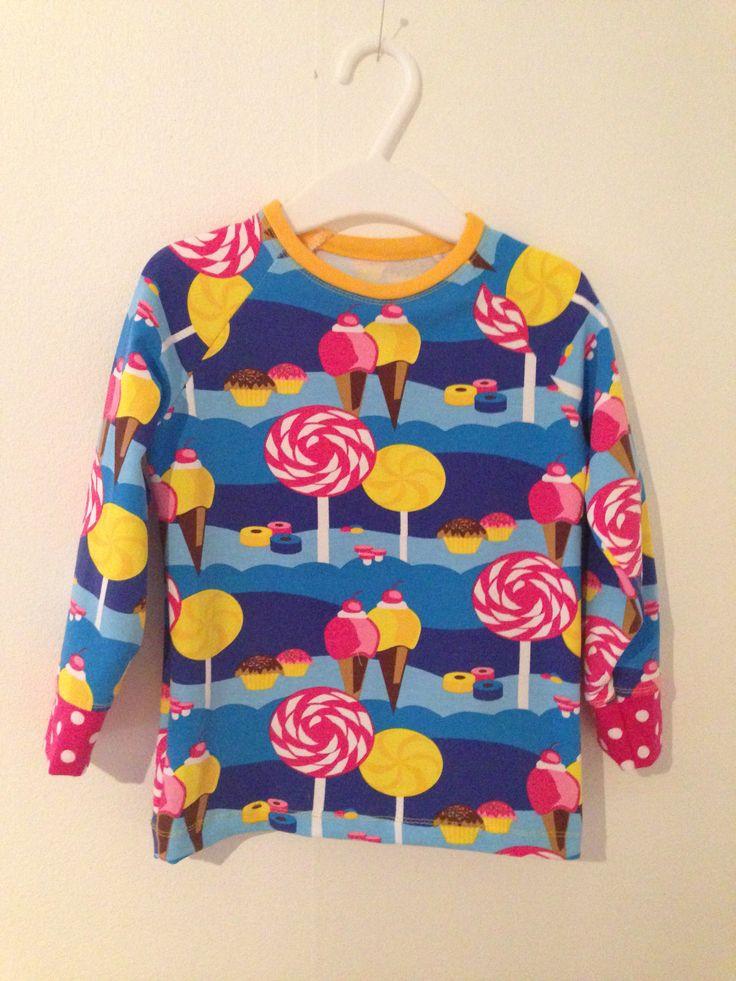 Snyggaste kalas-tröjan! Älskar detta tyget.