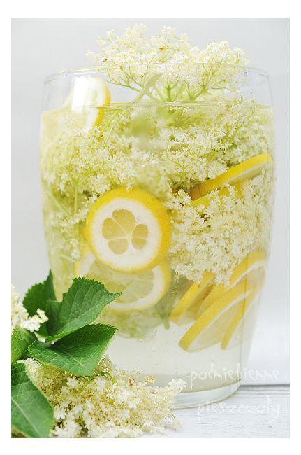 Lemoniada z bzem