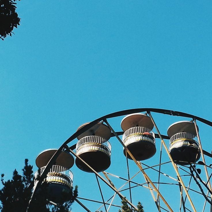 Fortune #wheeloffortune #steel #amusement #park #sky fabao | VSCO Grid™