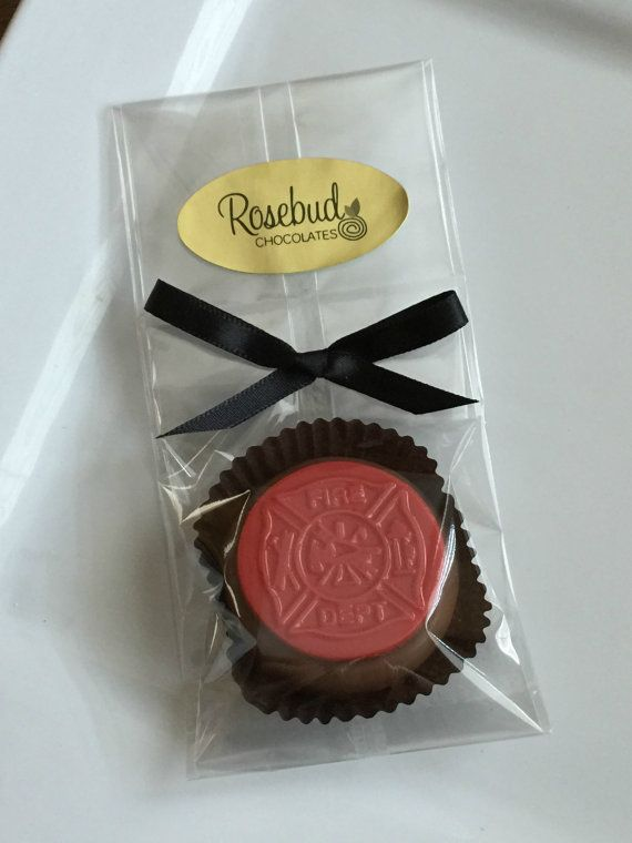 12 Chocolate Red Fire Department Emblem Oreo by rosebudchocolates