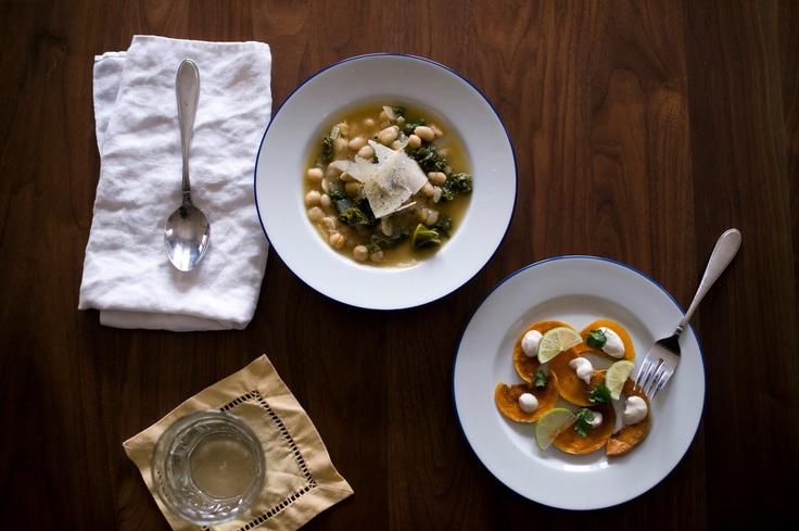 Kale and Bean SoupCooking Book, Peel Soup, Savory Food, Cannellini Soup, Vegetarian Kale, White Beans Soup, Soup Recipe, Sweets Amandine, White Bean Soup