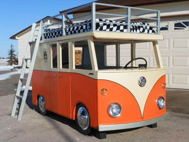 VW Bus Bed. Neat!