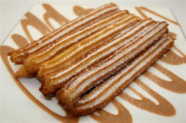churros: Spaan Churro, Desserts Delight, Yummy Food, Yummy Delicious, Savory Desserts, Mexicans Churro, Food Yummy, Churro Yummy, Churro Filled