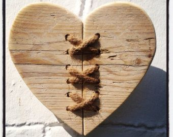 Driftwood & Twine Heart Wandbehang von driftingtides auf Etsy