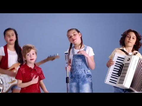 Yeni Saray Halı Anneler Günü Reklamı 2017 - En Güzel Anne Benim Annem Şarkısı - YouTube