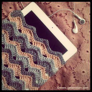 Get Smitten by Lisa Pocklington: *Designer* - FREE Crochet iPad Cover Tutorial