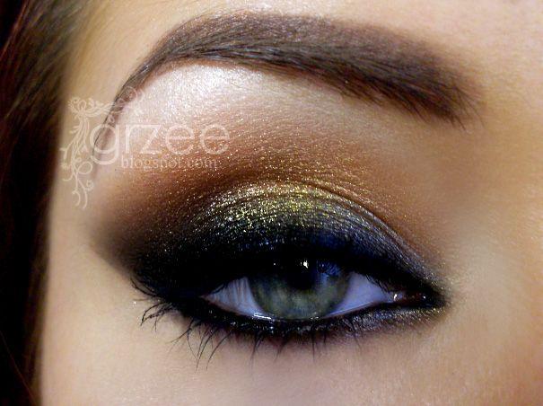gold and black smokey eye