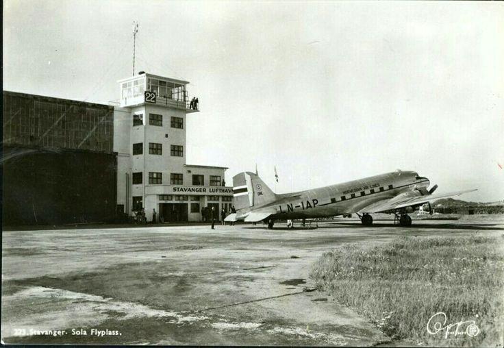 """Rogaland fylke Sola kommune  FLY. SAS Douglas DC 3 """"HALVDAN VIKING"""" på Sola flyplass Utg Oppi"""