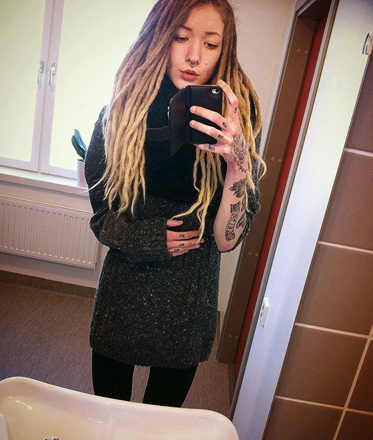 The ombre dreads. Cant wait 'til mine are long enough to pull this off :)