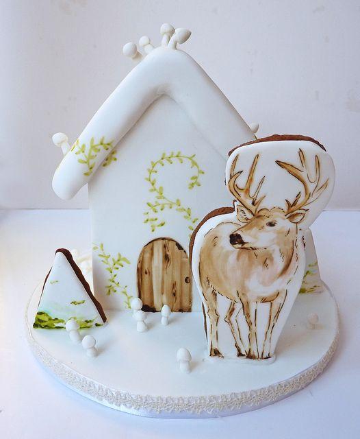 Renifer przed fińskim, drewnianym domkiem! (Jak zrobić domek z piernika - poradnik) #finuu #finuupl #gingerbreadhouse #ginger #domekzpiernika #finlandia #finland #ciasto #cake #inspiracje #bożenarodzenie #xmas #christmas #diy #handmade #fińskietradycje #święta #dekoracje #renifer #reindeer