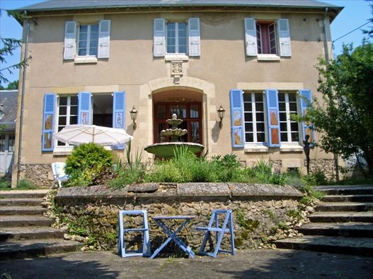 Yolande Centre d'Art Sanssat / bed and breakfast, Bed and Breakfast in Sanssat, Allier, Frankrijk | Bed and breakfast zoek en boek je snel en gemakkelijk via de ANWB