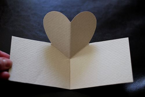 A Pop-Up Heart for Valentine's Day: Cards Ideas, Popup Heart, Diy Crafts, Valentine Day Cards, Pop Up Cards, Diy Tutorials, Valentine'S Cards, Pop Up Heart, Valentines Day Cards
