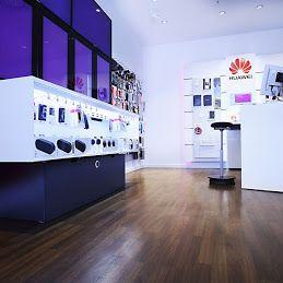 Panele podłogowe WINEO  kolekcja Bacana Wood w Telekom Shop Köln Arcaden