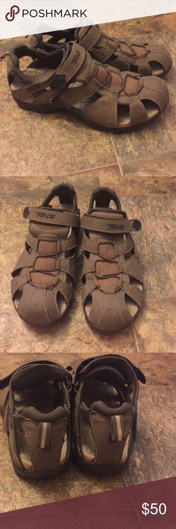 Men's TEVA sandals close toe sandals EUC Teva Shoes Sandals & Flip-Flops