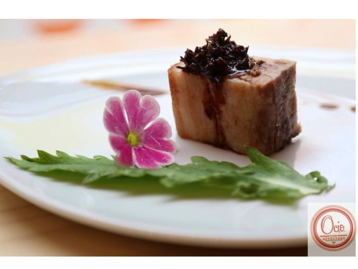 Panceta de cerdo dorada y glaseada con Tucupi.