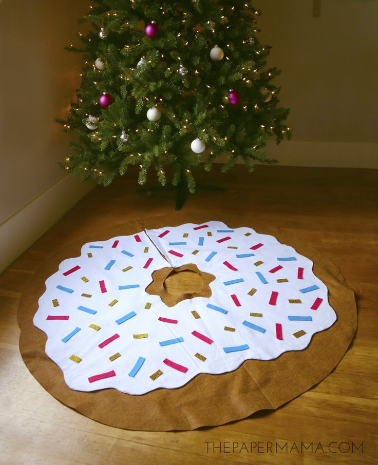 Day 19 Christmas Decoration: My Doughnut Tree Skirt DIY will make you crave all the sweets! Donut time!