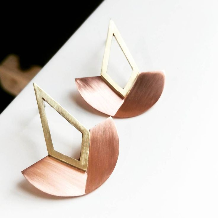 We've got some new kids on the block! These mixed metals 'Eban' statement studs are in brushed satin brass and copper (soon to be rose gold! eeeee!) what do you think?