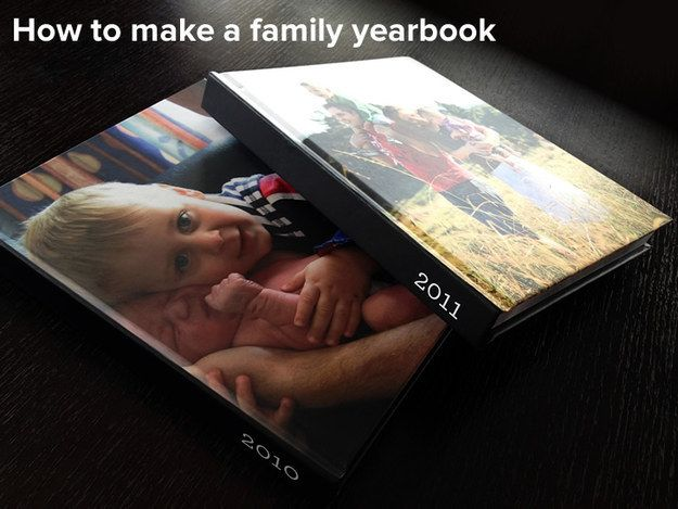 Faça um livro anual de fotos de família.