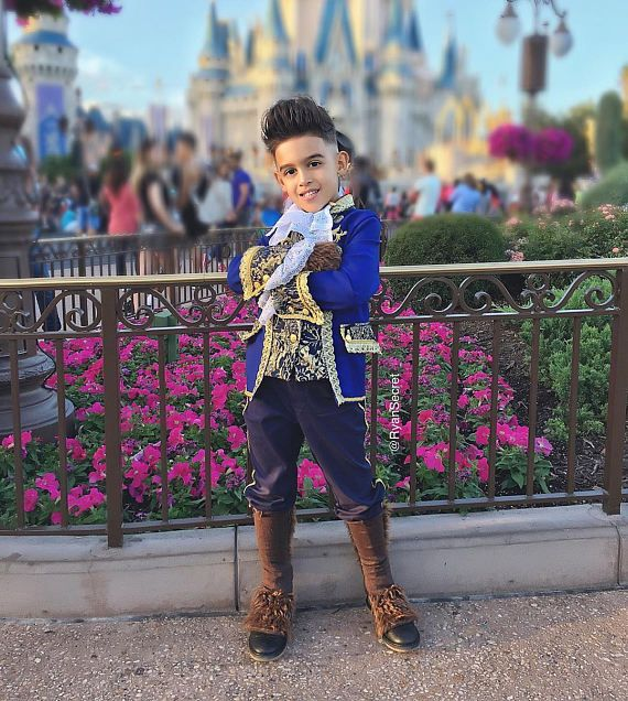 LUX  Beauty and the Beast 2017 Disney prince costume for boy. Halloween ideas. #beautyandthebeast #princecostume #disney #disneycostume #beastcostume #halloween