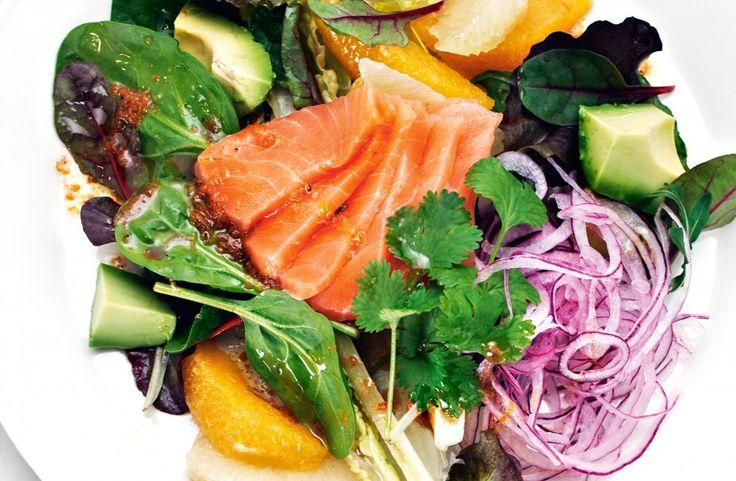 Recept på ceviche-sallad på lax med apelsinvinägrett.