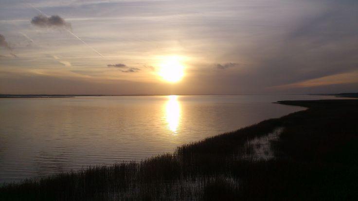 zachód słońca nad jeziorem Łebsko