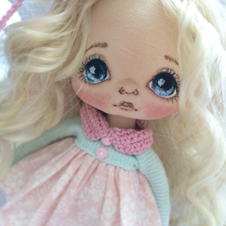 Я очень люблю глаза, люблю фото глаз, люблю глаза своих дочек, люблю рисовать глаза куклам, глаза - зеркало души #кукла #куклы #купить #куколка #олли #ручнаяработа #авторскаякукла #авторскаяработа #doll #dolls #artdoll #textilledoll #handmade