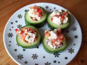 komkommer, rode paprika, feta en rode ui. Slank hapje!