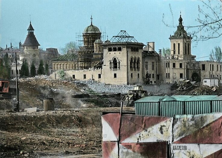 Last days of Mihai Vodă Monastery in Bucharest, 1986
