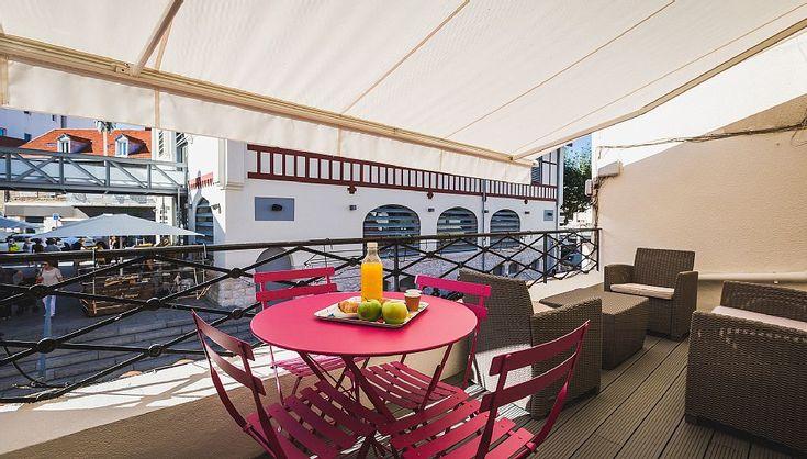 Abritel Location Biarritz Apt moderne 2 ch 110m2 avec Terrasse. Abritel location appartement dans la Côte Basque 2 Chambres, Grand séjour et cuisine ouverte entièrement rénové