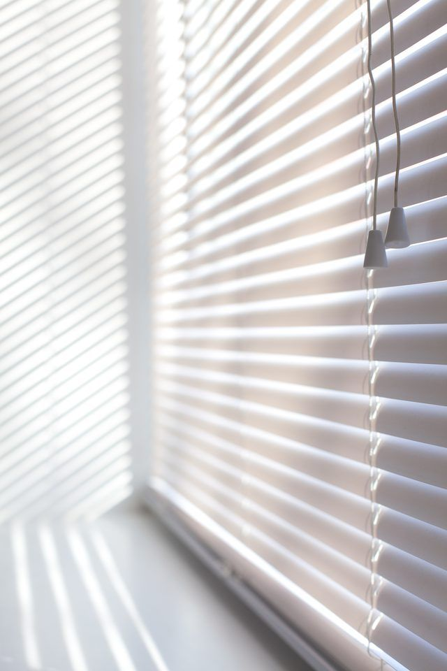 How To Clean Sun Yellowed White Plastic Blinds Plastic Blinds Blinds Plastic Curtains