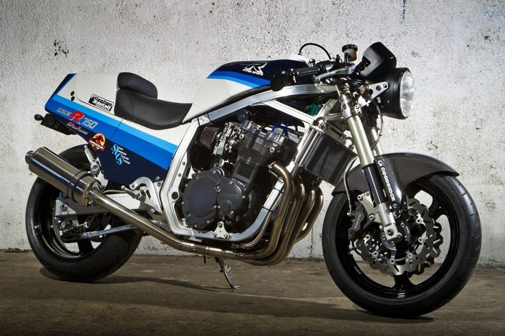 The third instalment of our Suzuki Specials is online, check out Steve Beer's Suzuki GSX-R750 http://suzukibulletin.co.uk /suzuki-specials-gsx-r750/