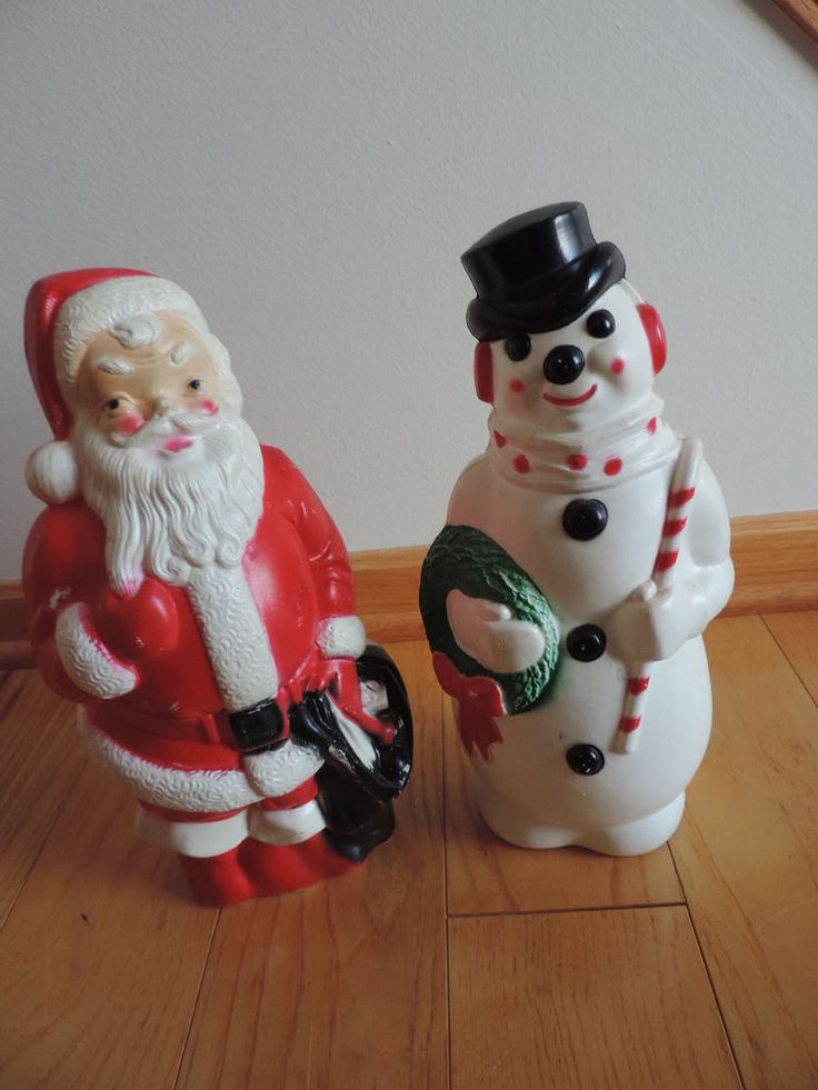 2 vintage christmas blowmold lighted decor santa claus for Plastic snowman